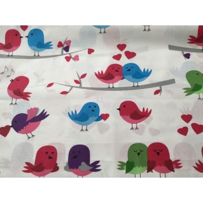 Bawełna Ptaki czerwone zielone na gałązce